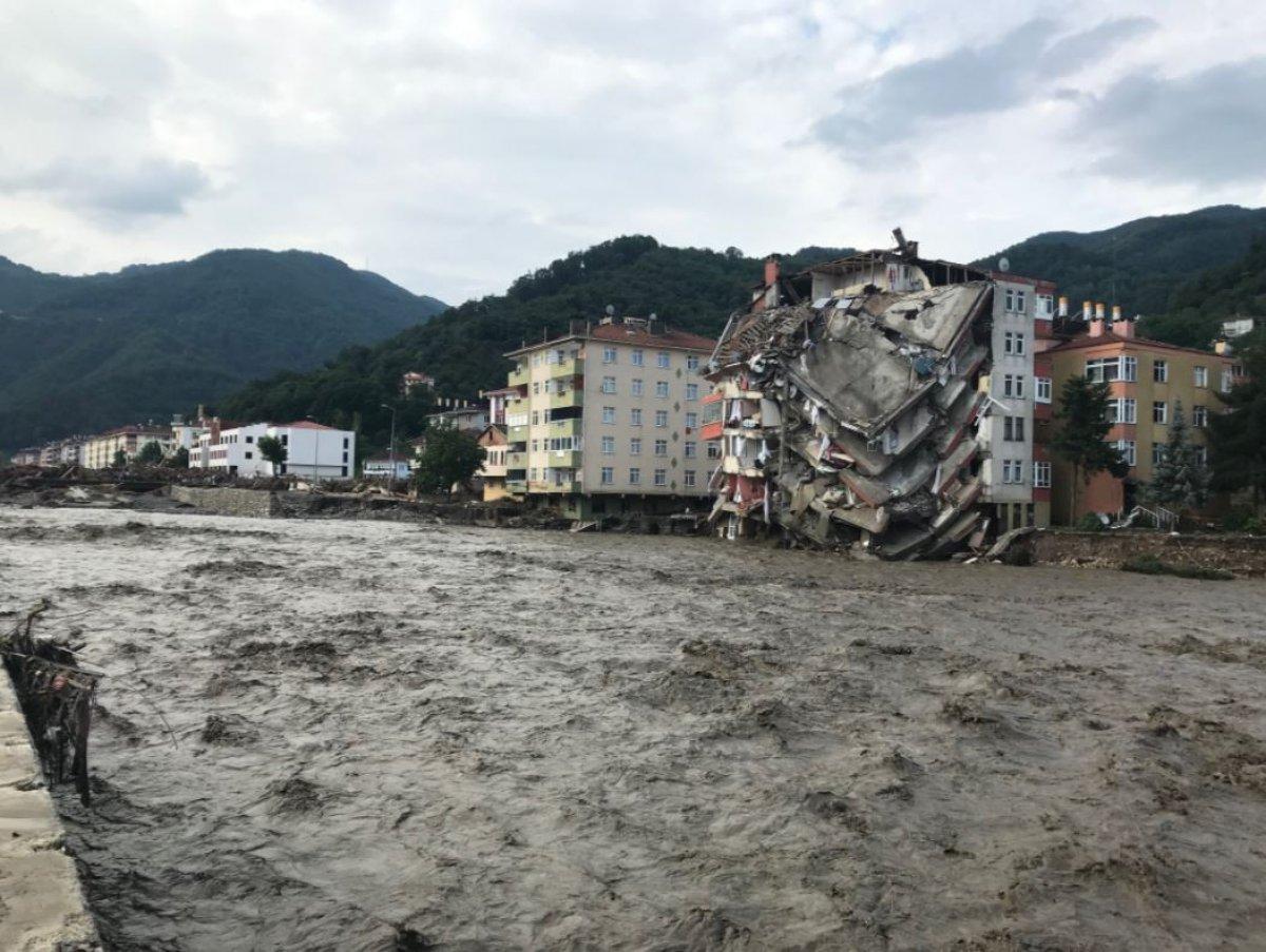 Batı Karadeniz deki sel felaketinde can kaybı 79 oldu #2