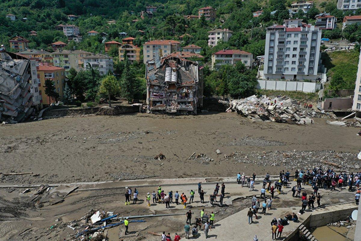 Batı Karadeniz deki sel felaketinde can kaybı 79 oldu #1
