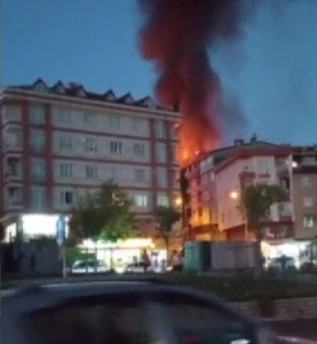 İstanbul da bir gecekonduda yangın çıktı #1