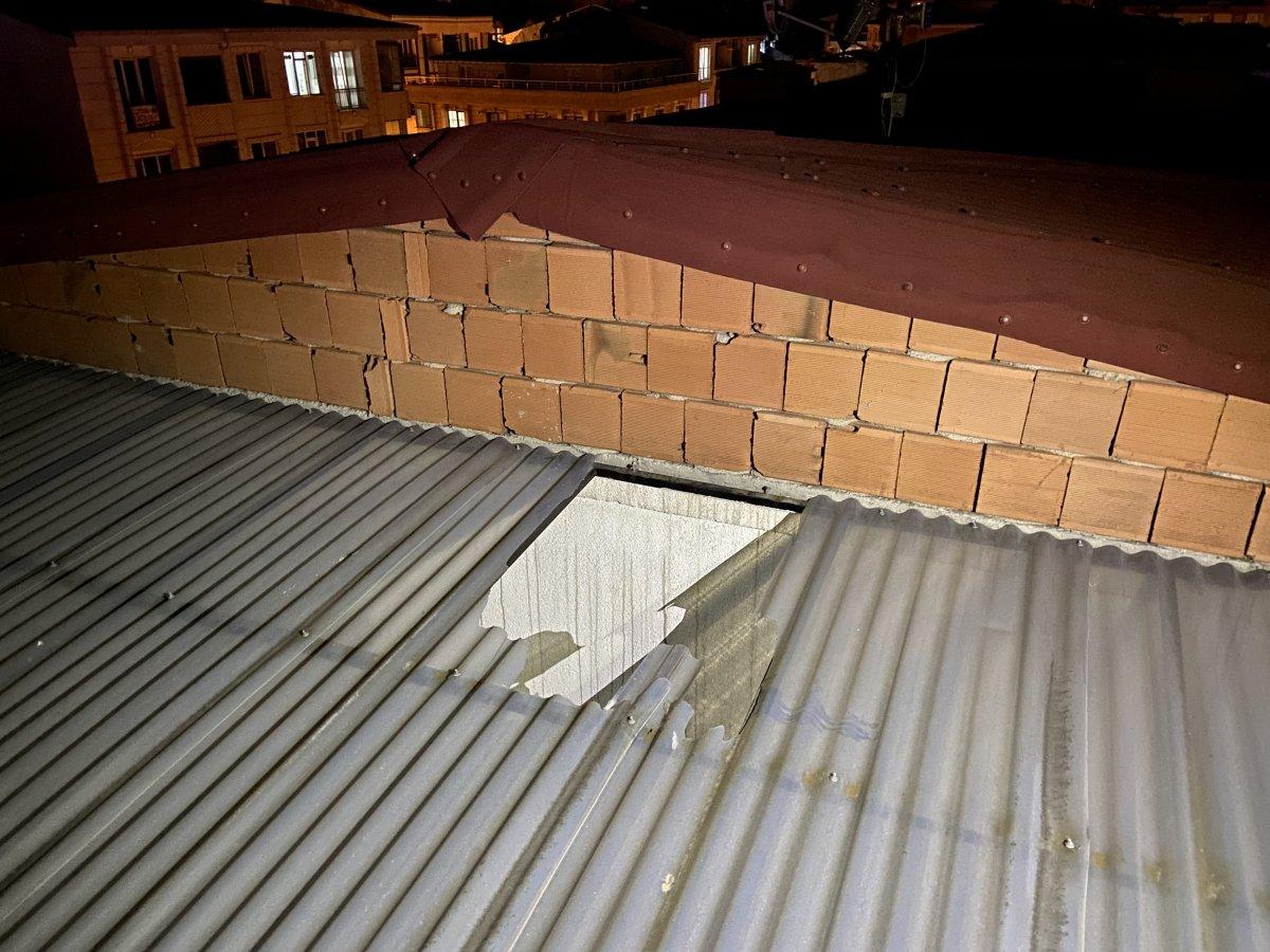 Esenyurt ta sosyal medya için video çekerken çatıdan düştü #2