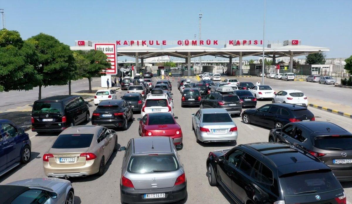 1,5 milyondan fazla gurbetçi tatilini Türkiye de geçirdi #3