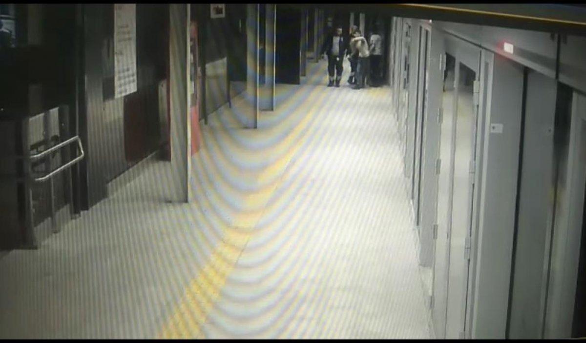 Kağıthane metrosuna intihar ihbarı için giden polis, hırsızı suçüstü yakaladı #1