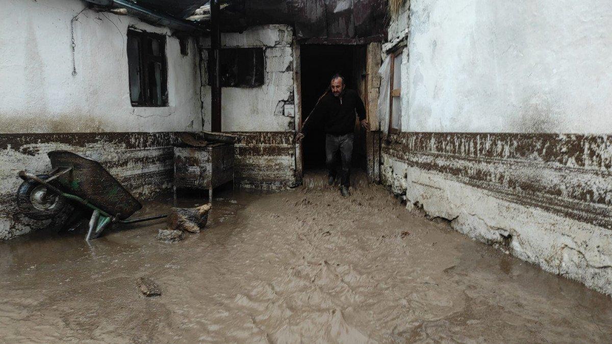 Kars ın köylerinde sel etkili oldu #1