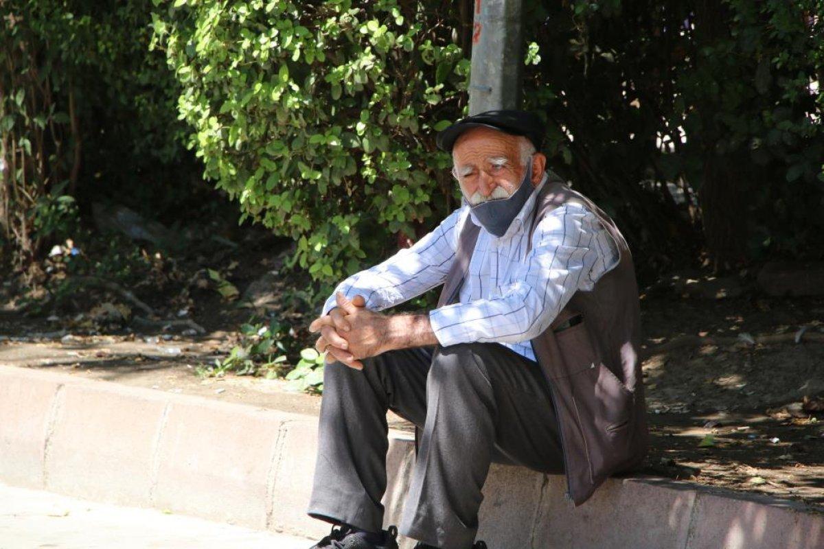 Elazığ'da sıcak havalar mevsim normallerinin üzerinde seyrediyor #7