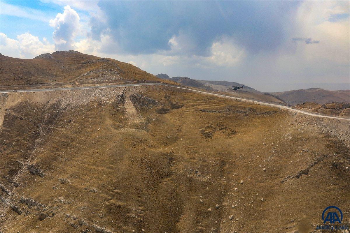 Türkiye-İran sırında duvar örme çalışmaları devam ediyor #18