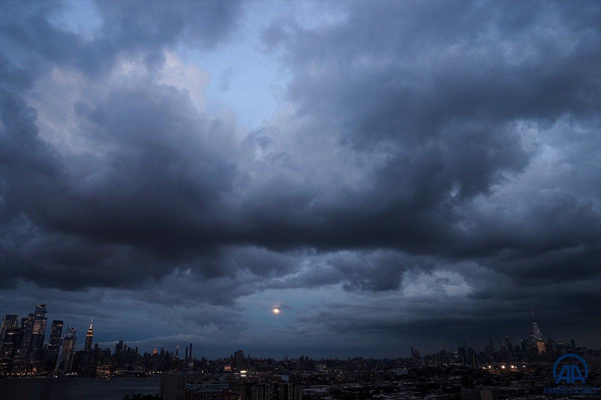 New York'ta Henri Kasırgası alarmı: OHAL ilan edildi #2