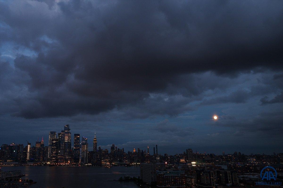 New York'ta Henri Kasırgası alarmı: OHAL ilan edildi #3