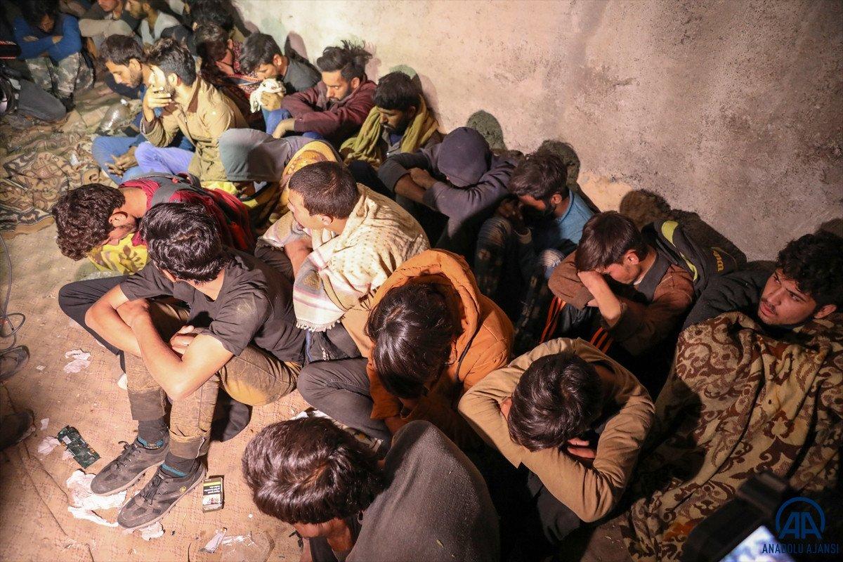 Van da 25 düzensiz göçmen yakalandı #6