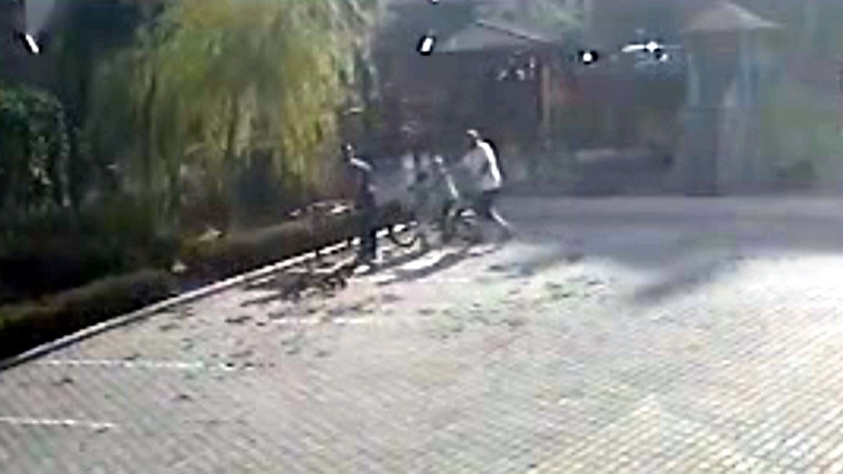 Kahramanmaraş'ta salçaya taş attılar diye çocukları dövdü #2