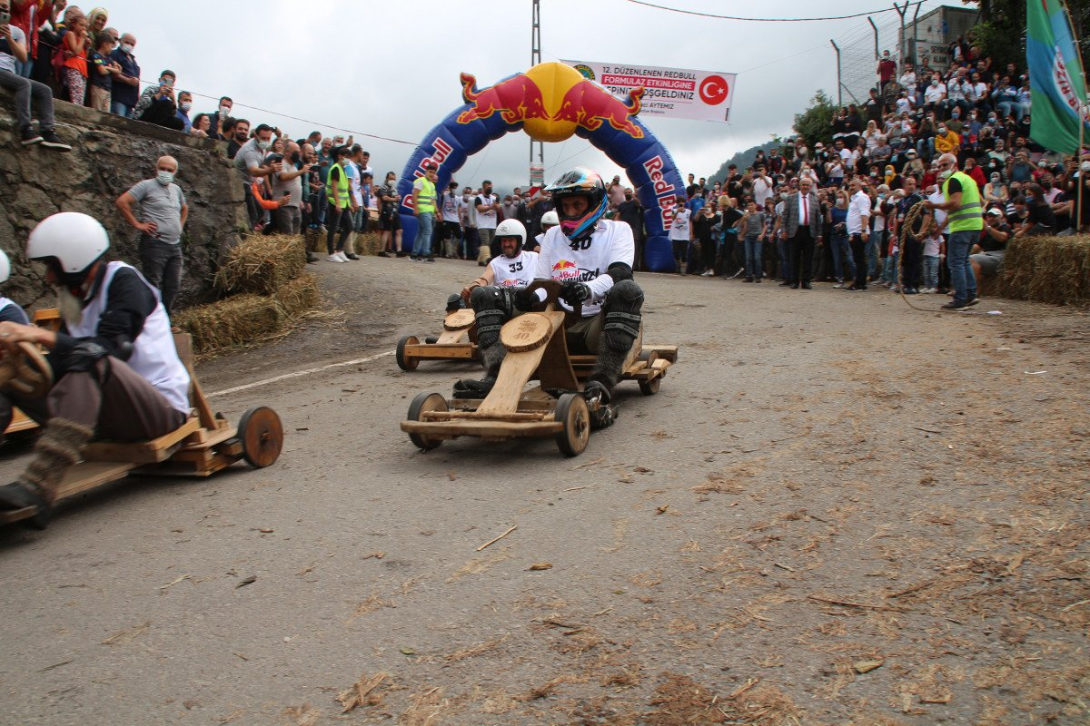 Rize'de 'Formulaz' yarışında tahta arabalar kıyasıya mücadele etti  #6