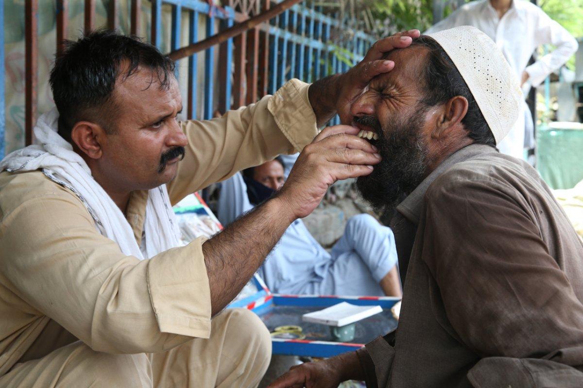 Pakistan da sokak dişçilerine rağbet arttı #2