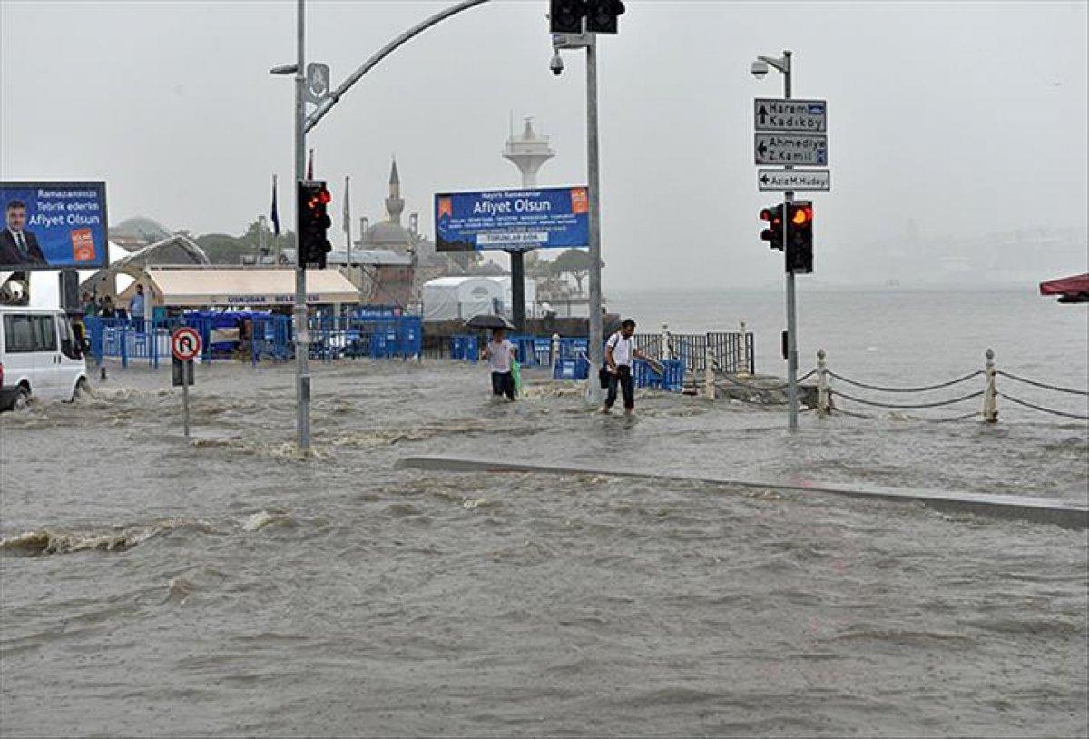 Meteorolojiden İstanbul ve çevresi için sağanak yağış uyarısı #1