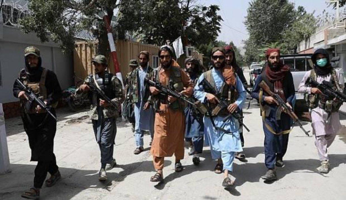 Afganistan da 3 ilçenin kontrolü Taliban dan yerel gruplara geçti #2
