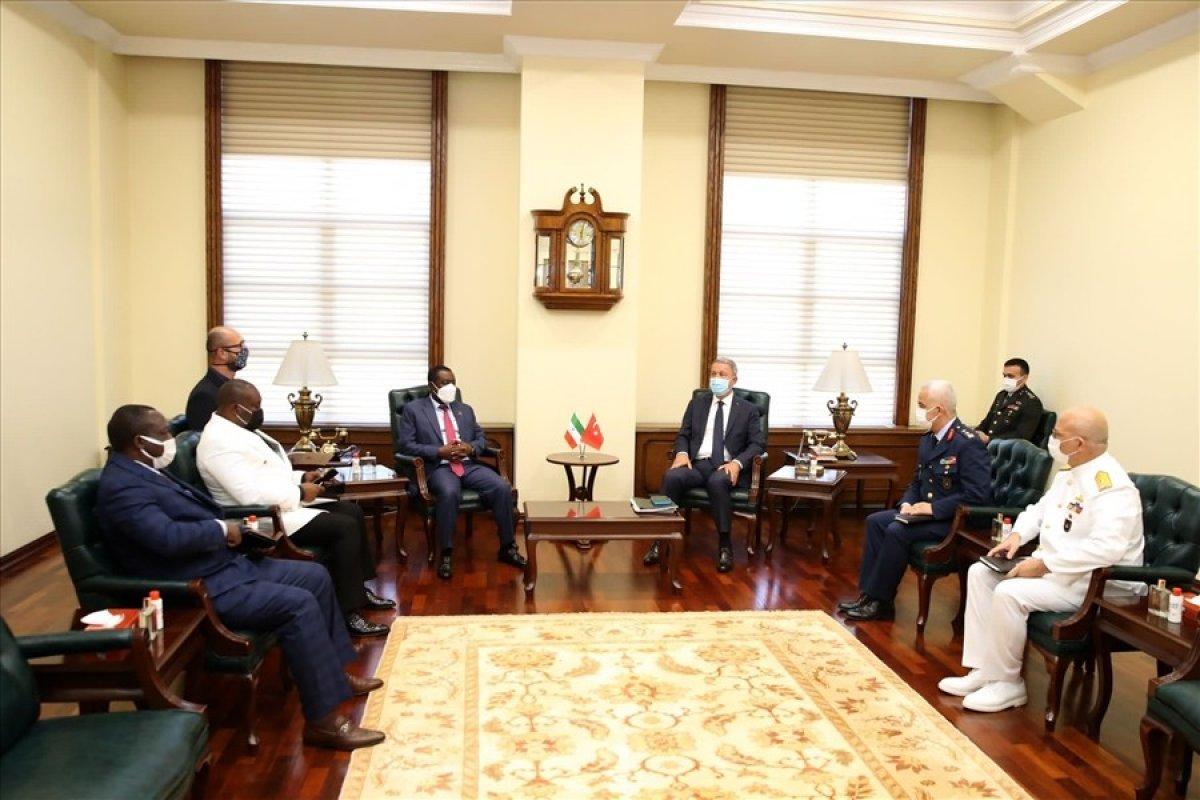 Milli Savunma Bakanı Hulusi Akar, Ekvator Ginesi Savunma Bakanı ile bir araya geldi #2