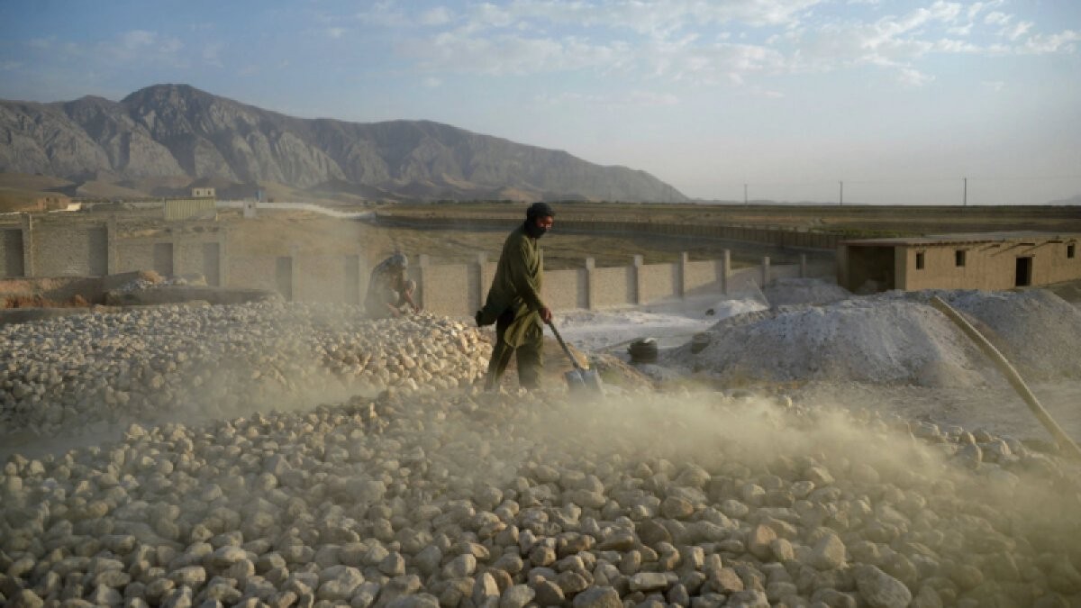 Afganistan ın değerli madenleri Taliban ın eline geçti #2