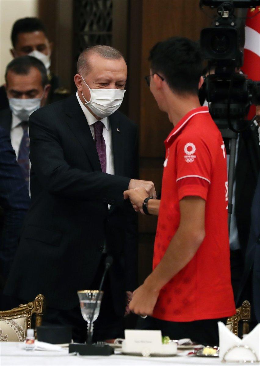 Cumhurbaşkanı Erdoğan, milli sporcularla bir araya geldi #3