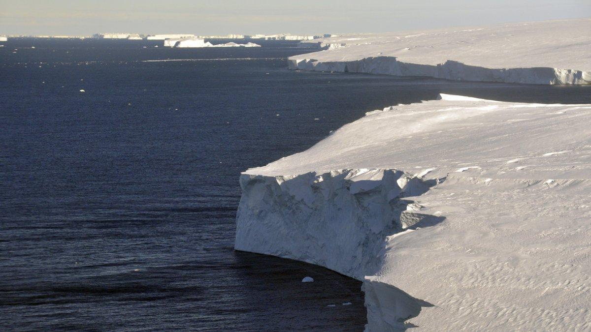 Dünya'nın çekirdeği Kıyamet Günü Buzulu nu eritiyor #2