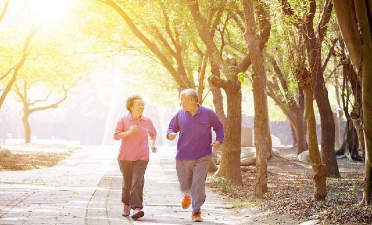 Yanlış yürüyüş diz ağrısına neden olabilir #1
