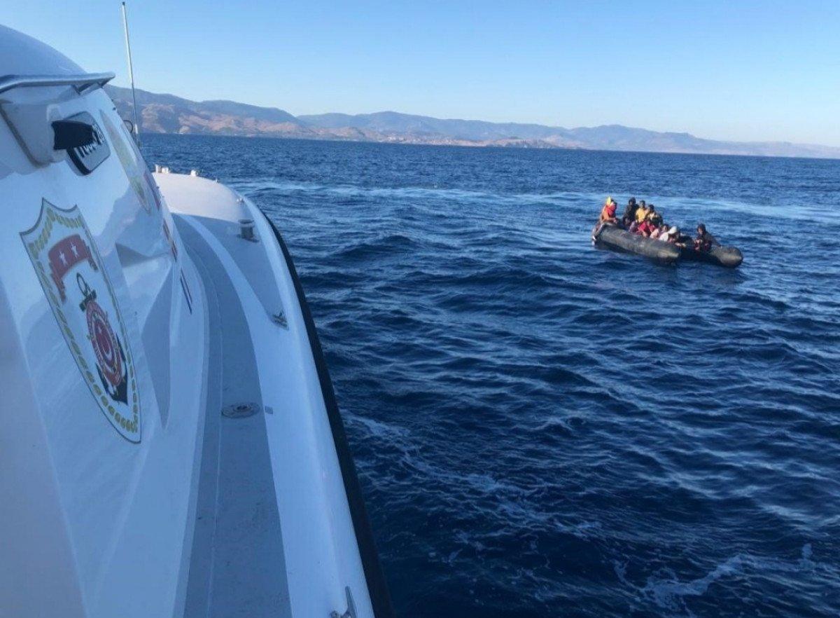 Ayvacık'ta Yunanistan ın ölüme terk ettiği 52 kaçak göçmen kurtarıldı #2