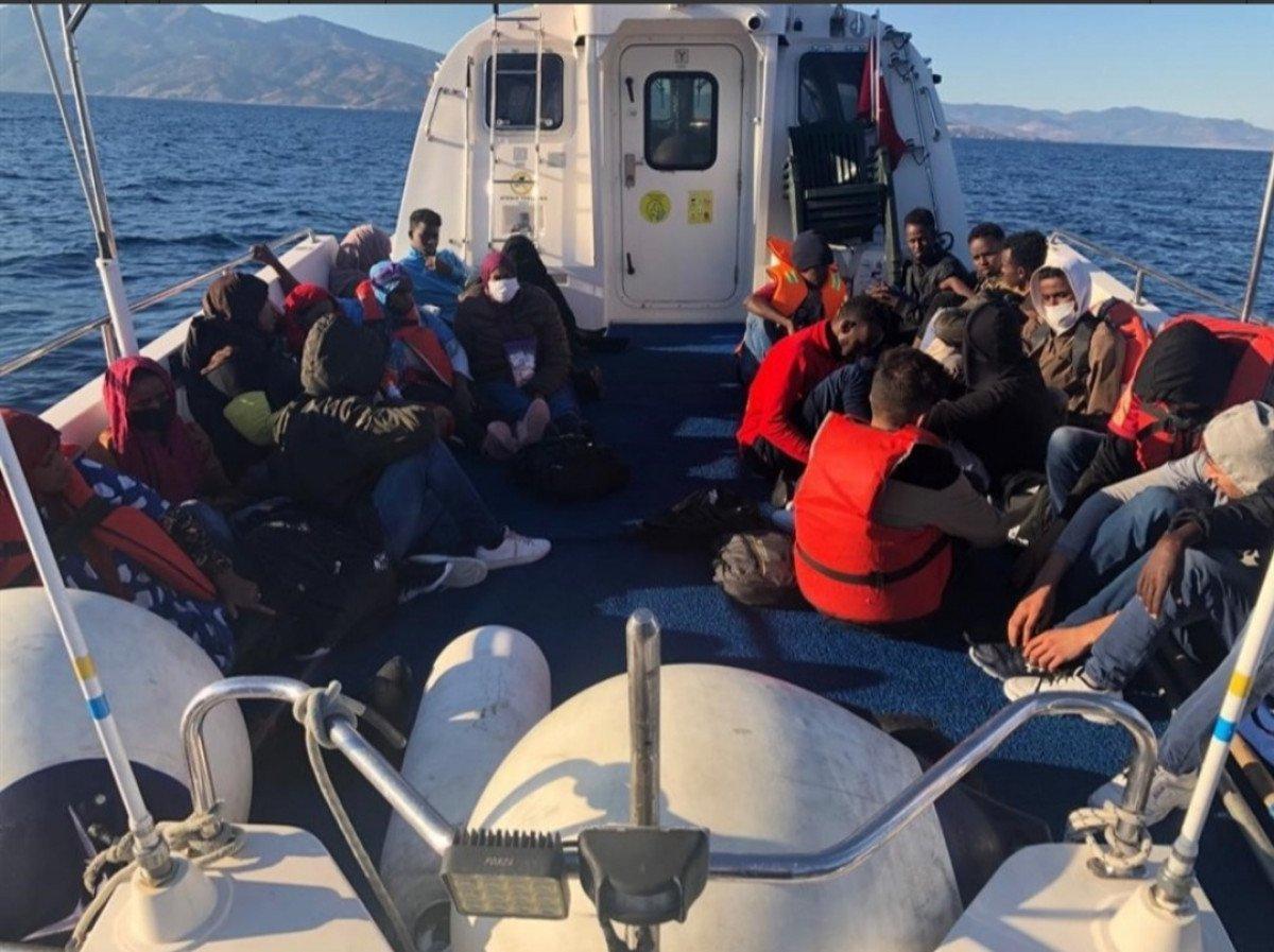 Ayvacık'ta Yunanistan ın ölüme terk ettiği 52 kaçak göçmen kurtarıldı #1