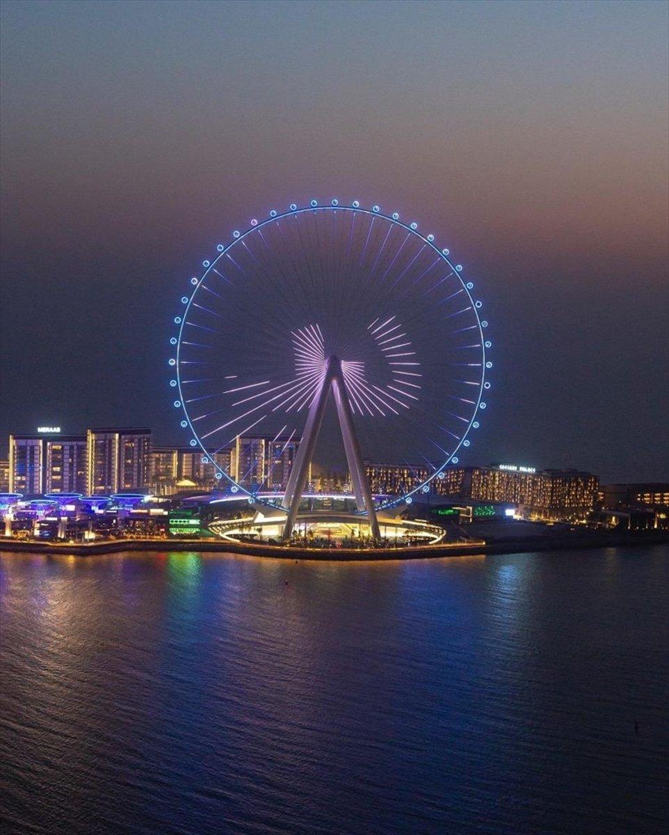 Dubai de 1750 kişilik dünyanın en büyük dönme dolabı #3