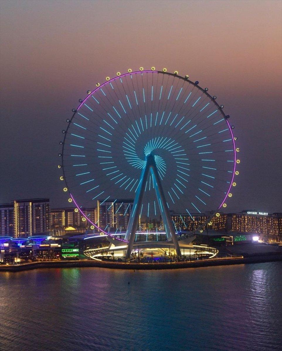 Dubai de 1750 kişilik dünyanın en büyük dönme dolabı #1