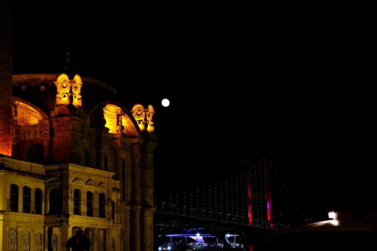 İstanbul da mest eden dolunay manzarası #4