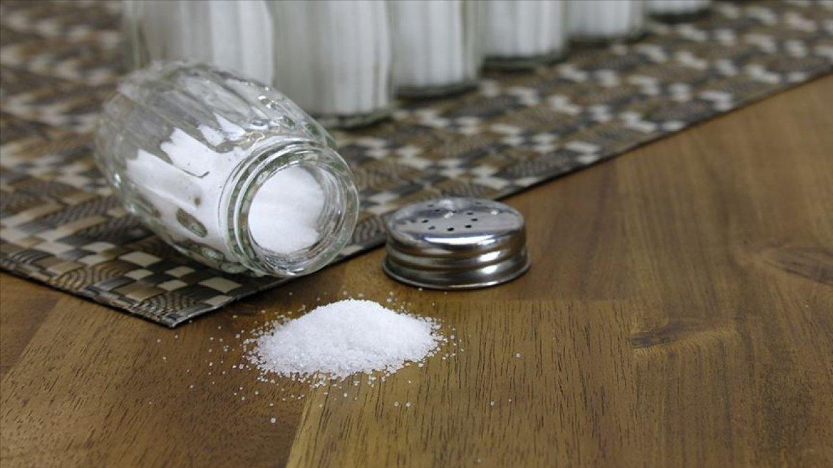Tuz oranı yüksek beslenmenin tehlikeleri #1