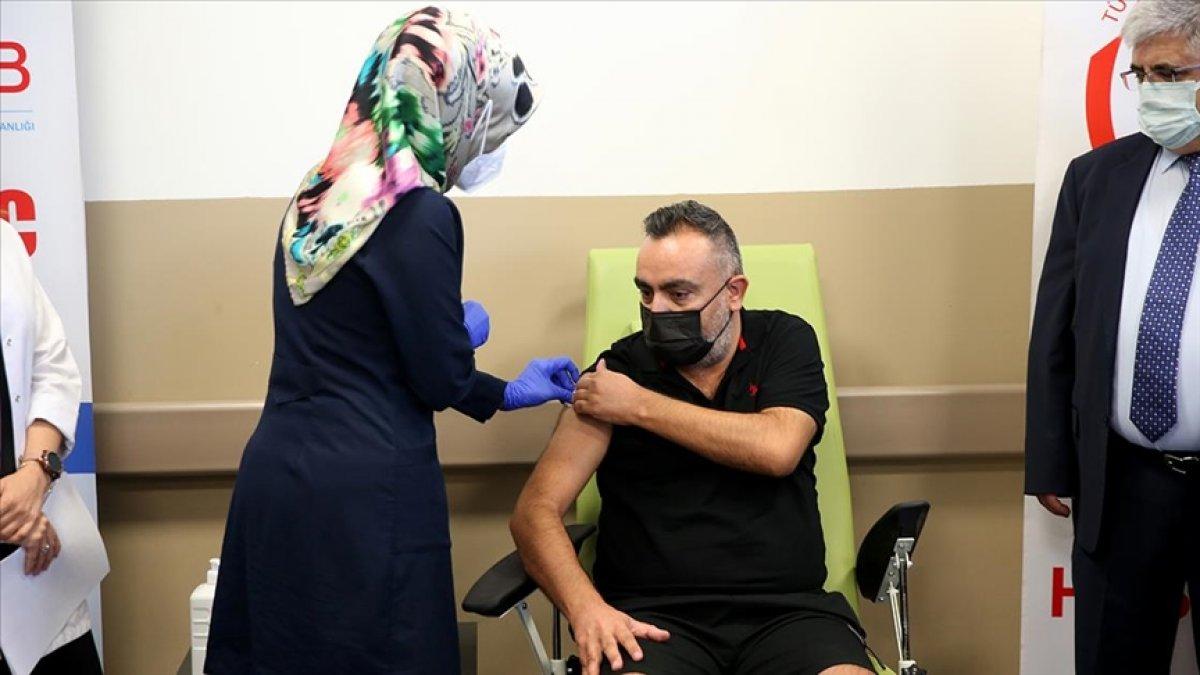 Kayseri de Türk aşısı, faz 3 çalışması kapsamında gönüllülere uygulanmaya başlandı #1