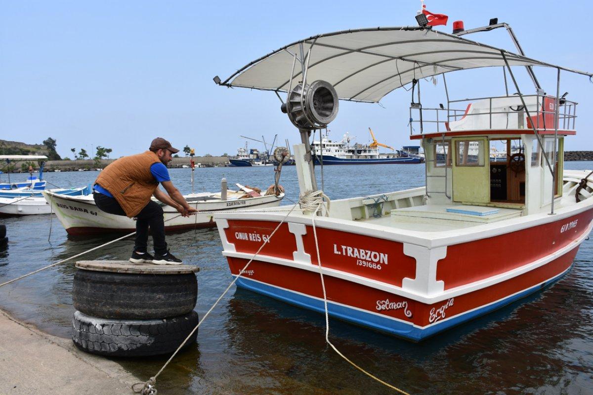 Trabzonlu balıkçının ağına köpek balığı takıldı #2