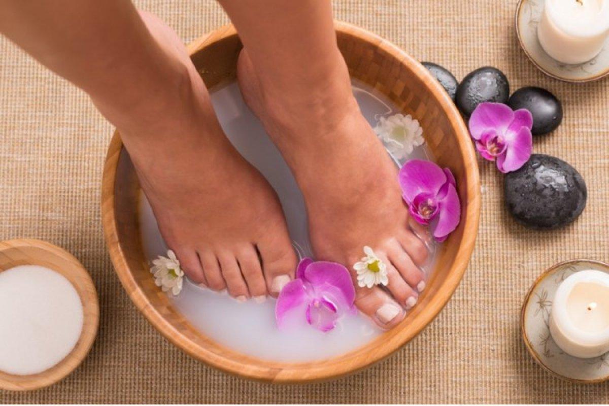 Yazın korkulu rüyası: Ayak kokusunu önlemek için 6 doğal yöntem #5