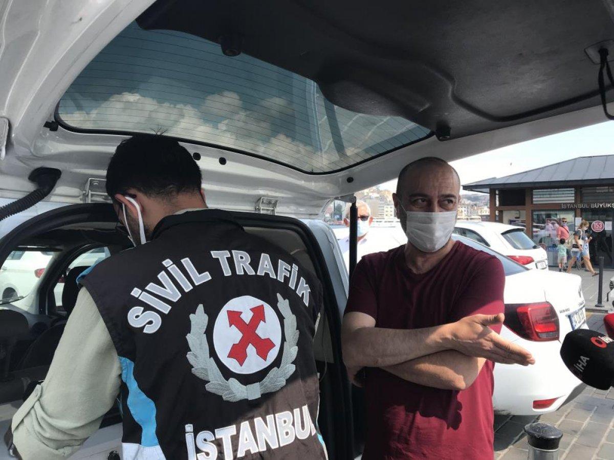 Eminönü'nde sivil ekipler taksileri denetledi #7