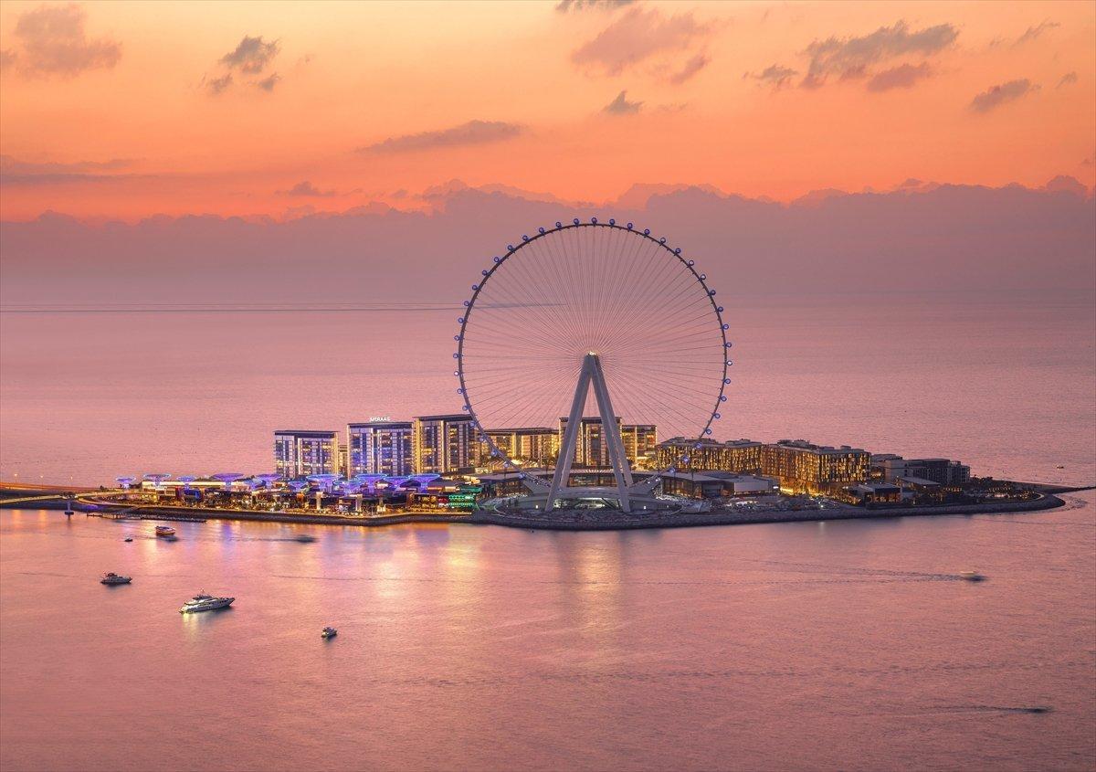 Dubai de 1750 kişilik dünyanın en büyük dönme dolabı #7