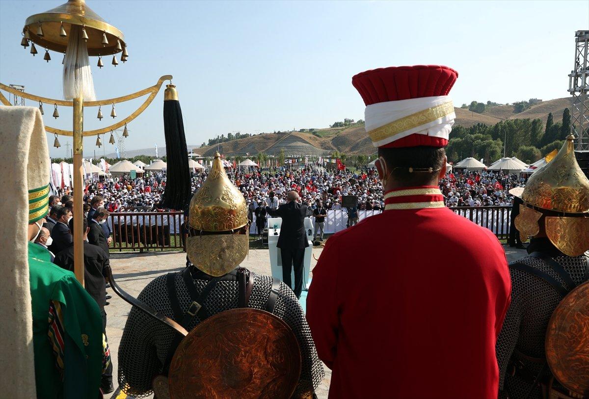 Cumhurbaşkanı Erdoğan, Malazgirt Zaferi için düzenlenen törene katıldı #2