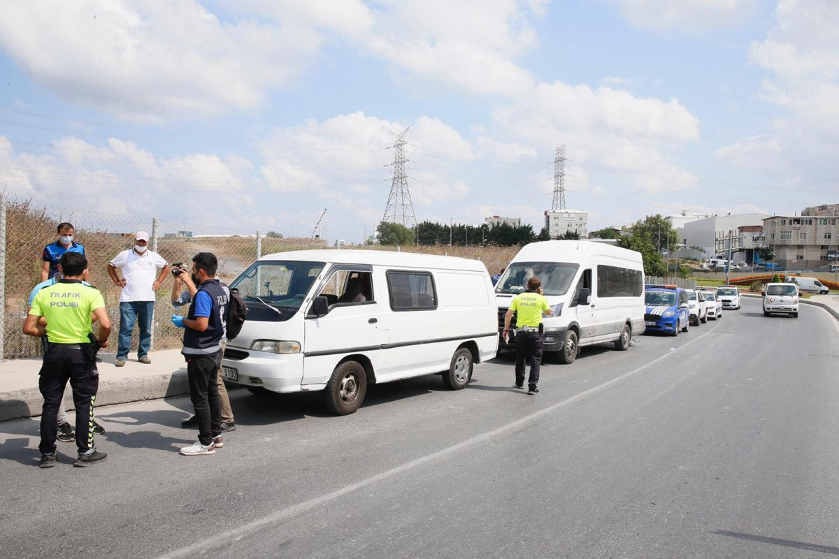 Sultangazi'de Suriye uyruklu 20 kaçak göçmen yakalandı  #4