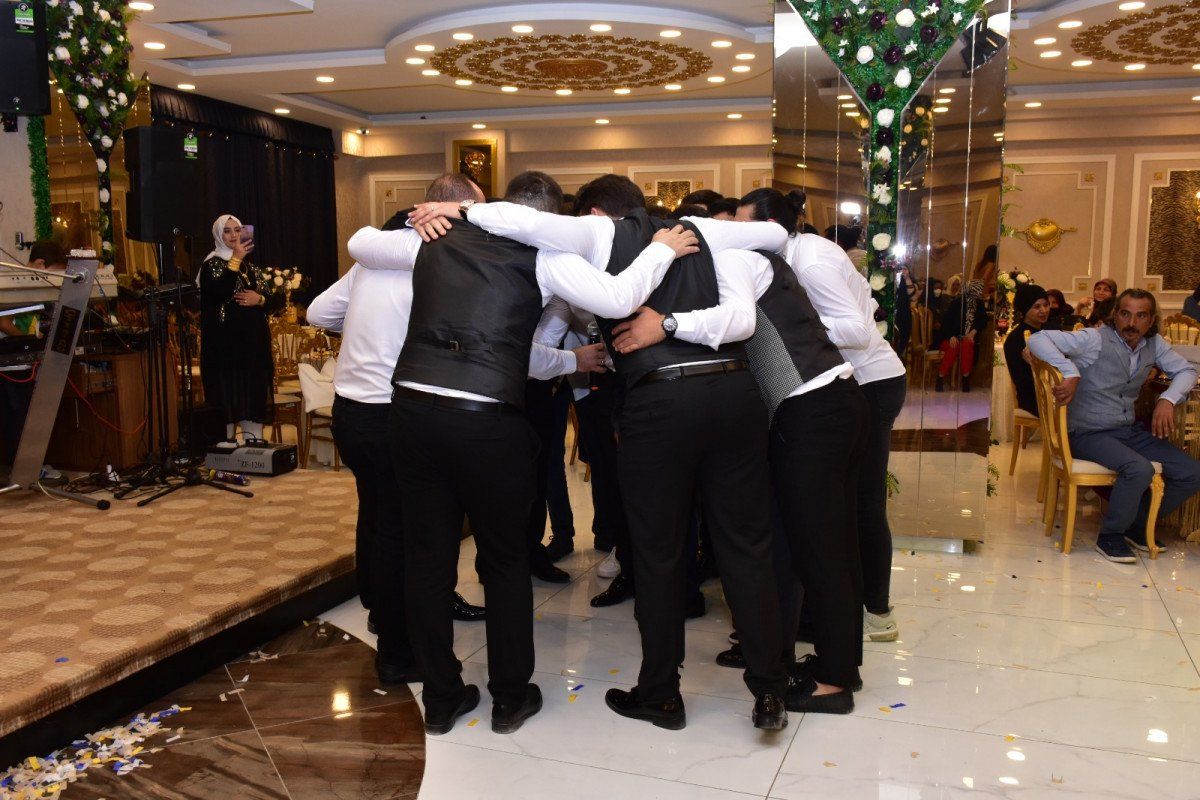 Bursa'da damat, 'evet' demeden önce arkadaşlarına sordu  #2