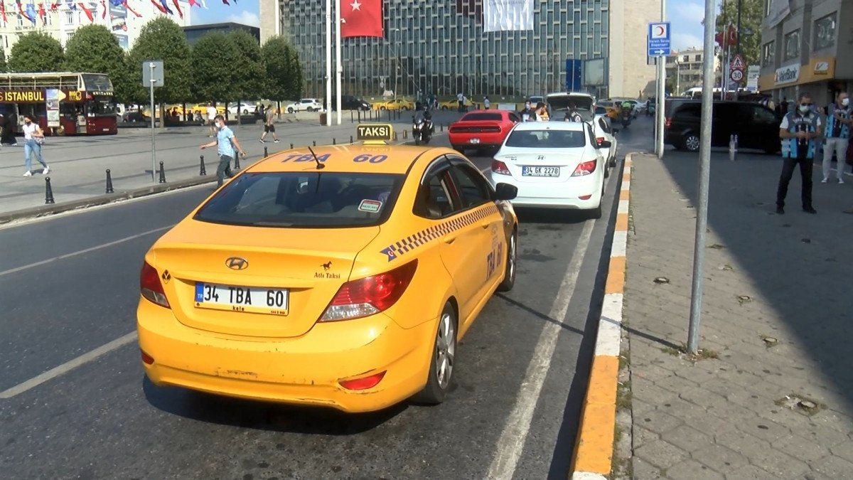 İstanbul da kısa mesafe almayan ve müşteri seçen taksicilere ceza kesildi #1