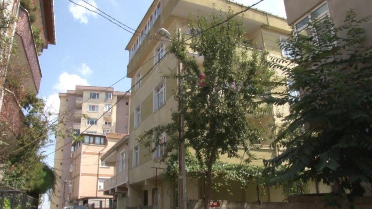 Ümraniye de bir kişi, komşusuna cinsel organını gösterdi #5