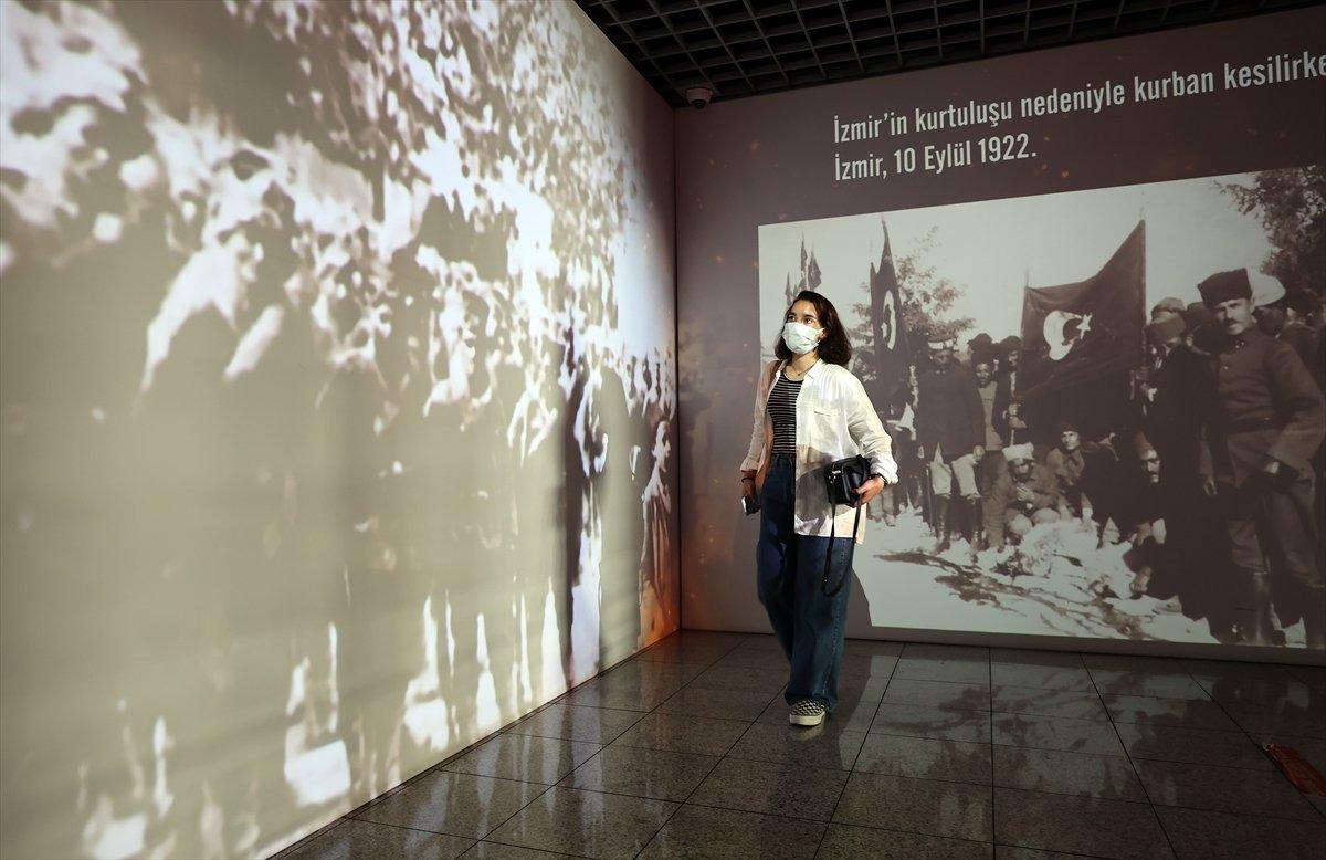 İstanbul da 30 Ağustos Zafer Bayramı na özel dijital gösterim #6