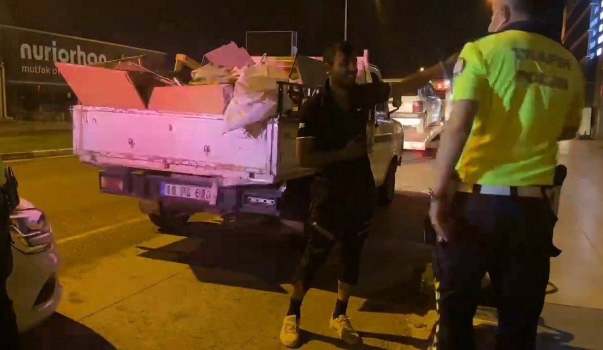 Bursa da ehliyetsiz sürücü polise yakalandı #1
