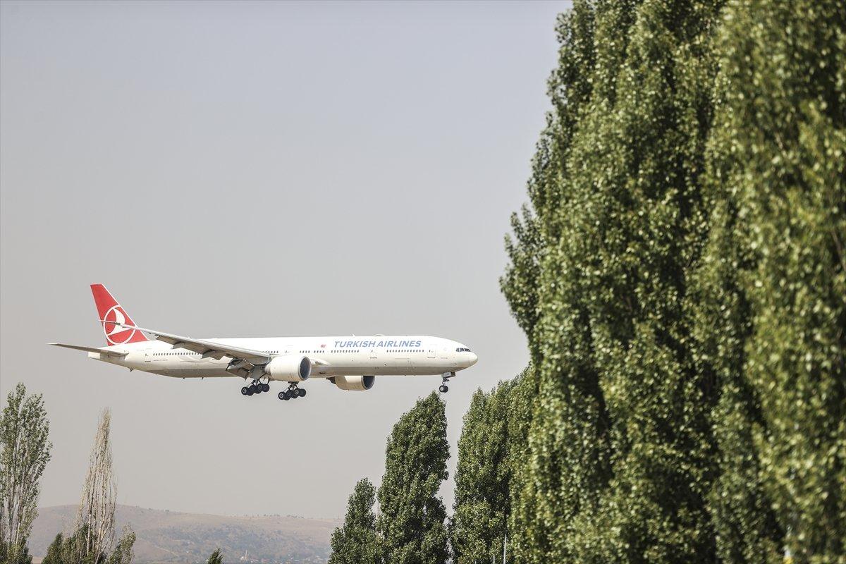 Afganistan dan Türk askerini taşıyan uçak Ankara ya indi #4