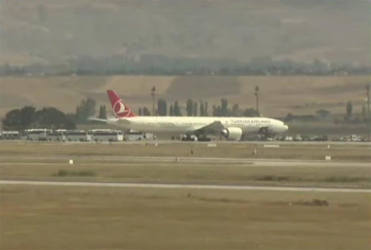 Afganistan dan Türk askerini taşıyan uçak Ankara ya indi #2