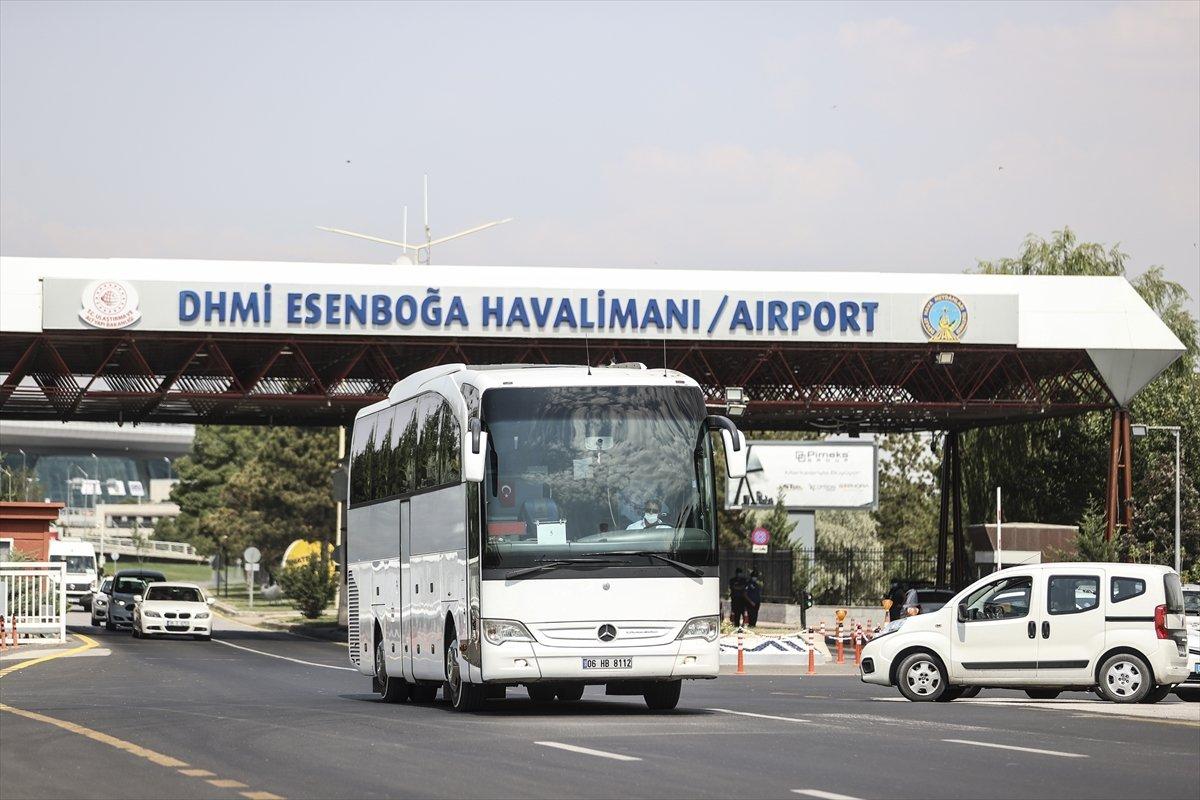 Afganistan dan Türk askerini taşıyan uçak Ankara ya indi #6