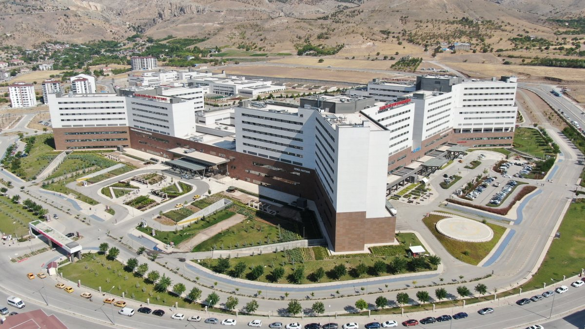 Elazığ Fethi Sekin Şehir Hastanesi, bölgenin lokomotifi oldu #7