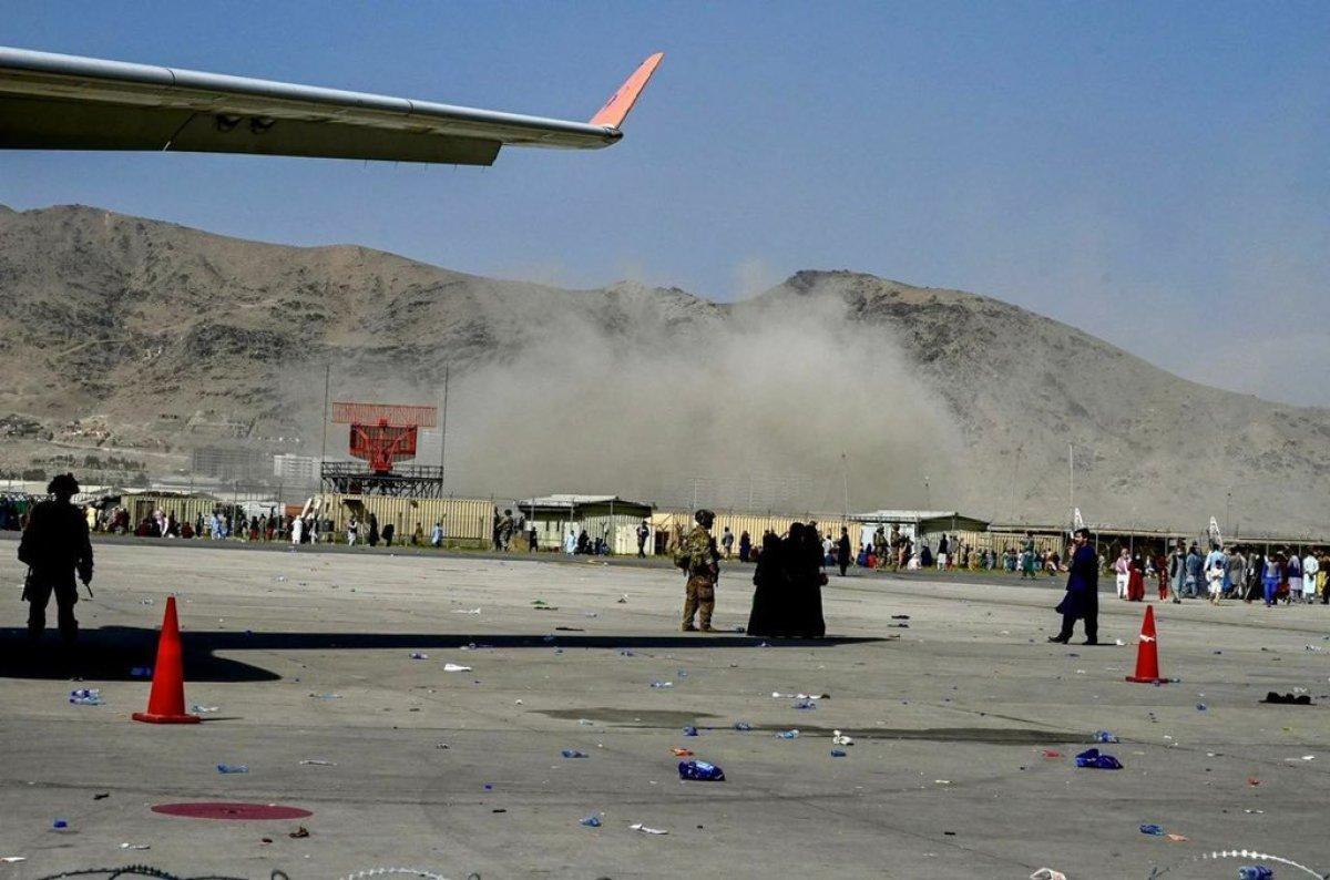 Kabil Havalimanı dışında patlama meydana geldi #1