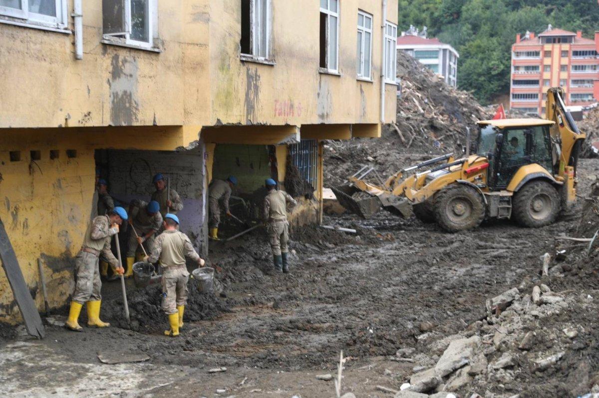 Süleyman Soylu Bozkurt'ta: 20 bin kamyon daha çamur taşınacak #4