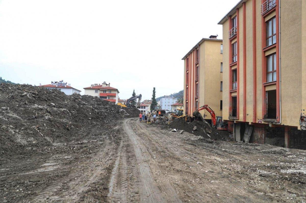 Süleyman Soylu Bozkurt'ta: 20 bin kamyon daha çamur taşınacak #1