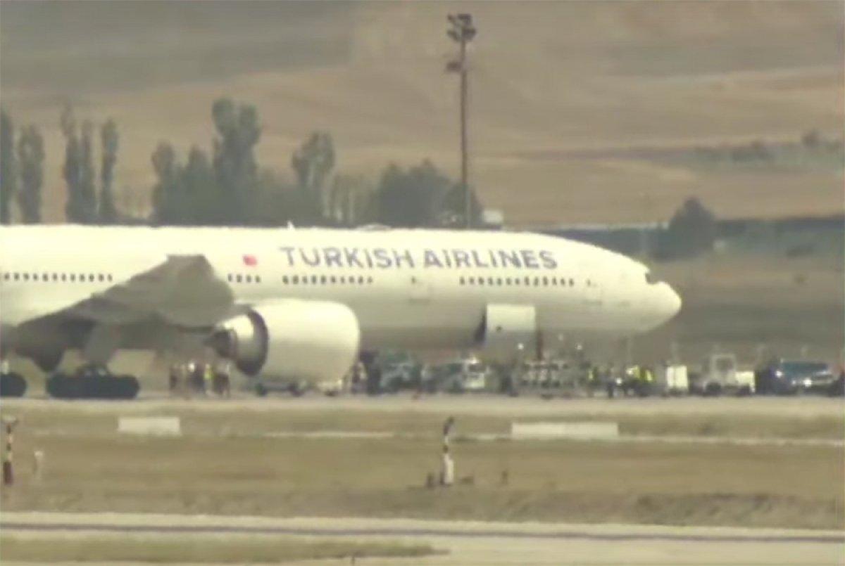 Afganistan dan Türk askerini taşıyan uçak Ankara ya indi #1
