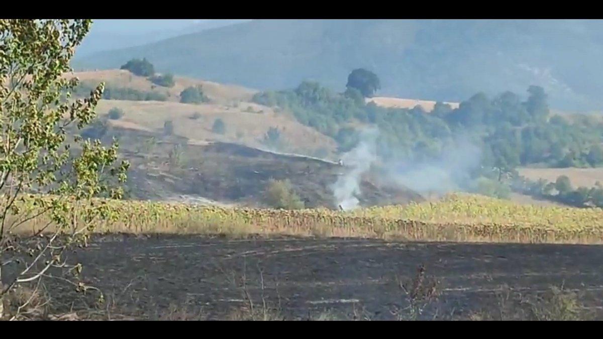 Bursa da tarla yangınına giden orman itfaiyesi kaza yaptı #3