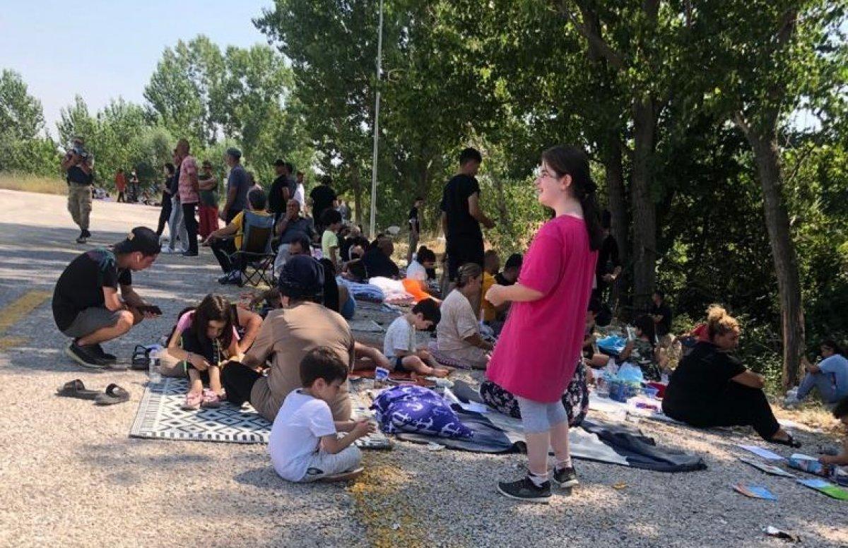 Kapıkule Sınır Kapısı'nda, gurbetçilerin dönüş yolu çileye dönüştü #4